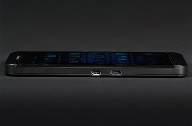 blackberry z10 ports side view